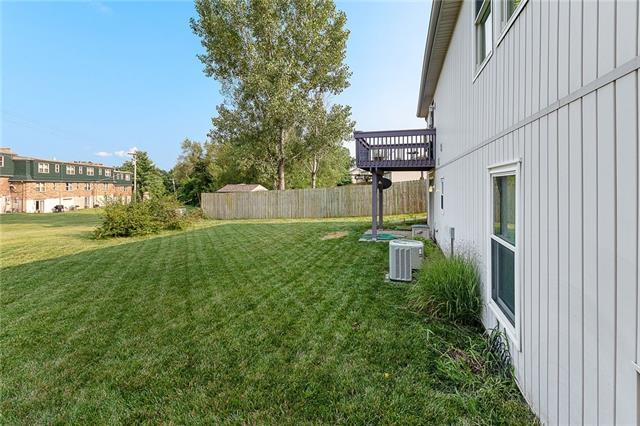 N 435 Queen Ridge Avenue Property Photo 24