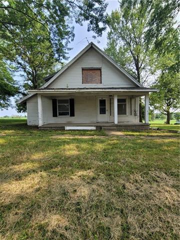 484 E Main Street Property Photo 4
