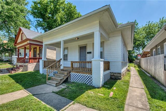 N 135 Oakley Avenue Property Photo