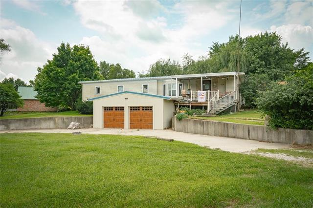 204 7th Street W Property Photo