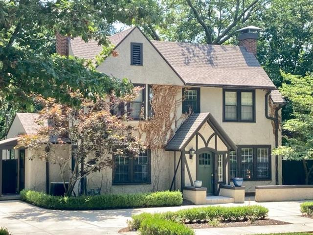 2100 Lovers Lane Property Photo 1