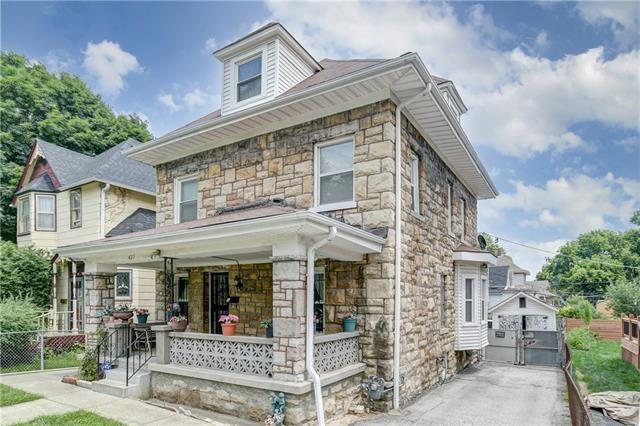 427 Benton Boulevard Property Photo