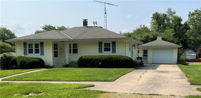 212 E Van Buren Street Property Photo