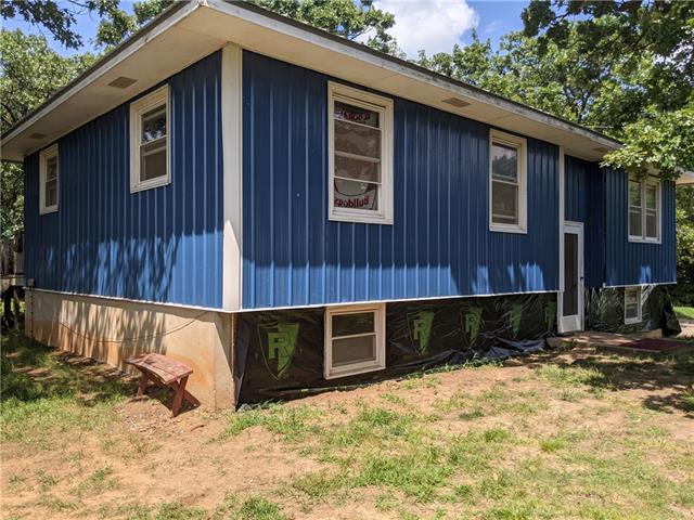 1695 E 350 Road Property Photo