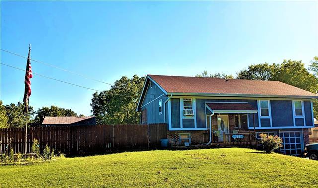 4445 N Drury Avenue Property Photo