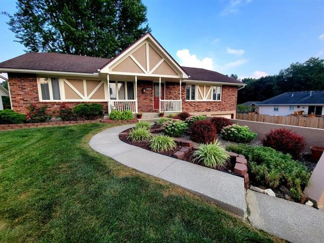 Coates Country Estate Real Estate Listings Main Image