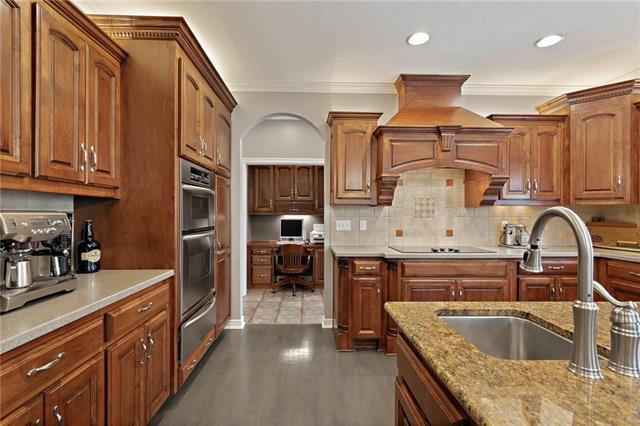 728 Winterwalk Lane Property Photo 24