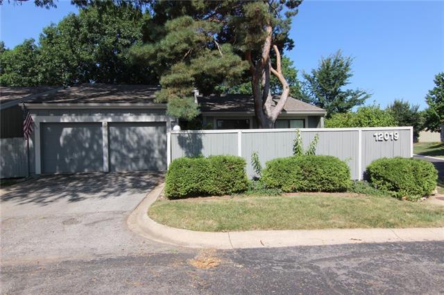 12019 W 82nd Terrace Property Photo 1