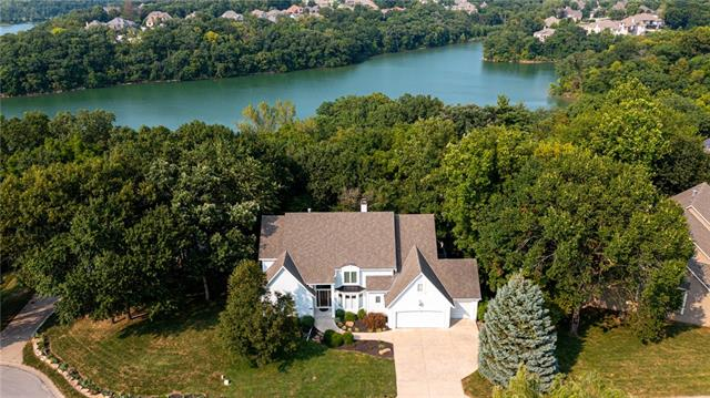 5739 N Woodhaven Lane Property Photo 1