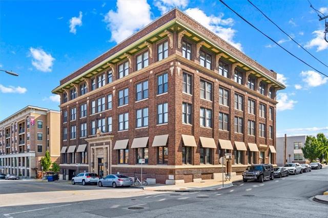 523 Grand Boulevard Property Photo