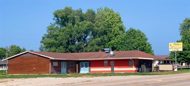 210 W 1st Street Property Photo
