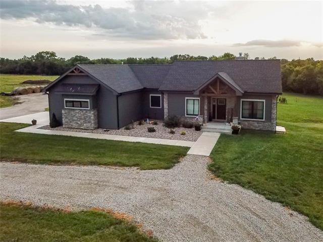 537 E 550 Road Property Photo