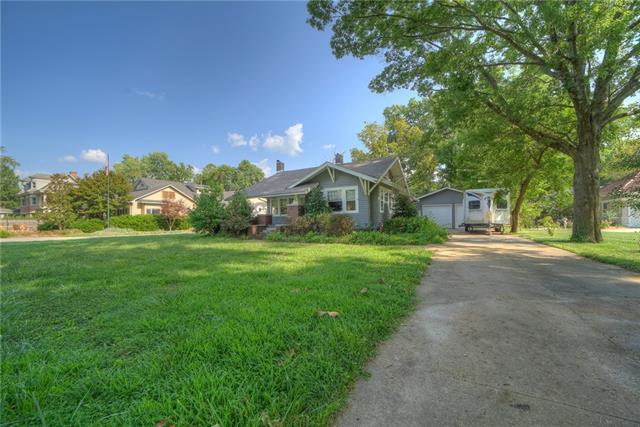 407 W Jefferson Street Property Photo