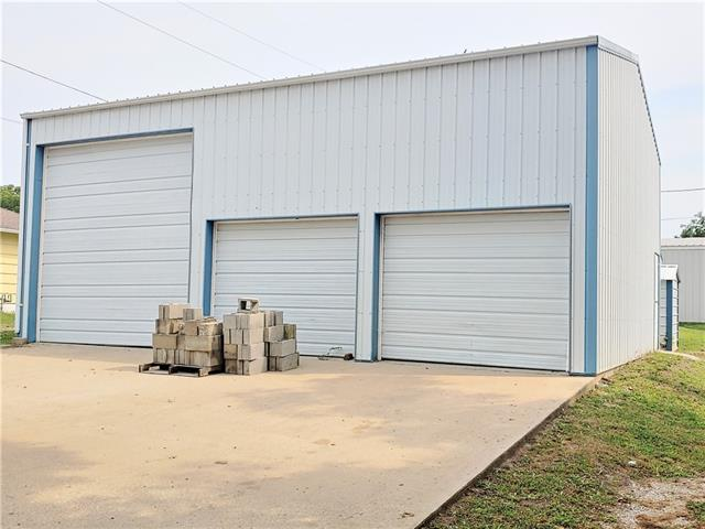 301 S Park Street Property Photo