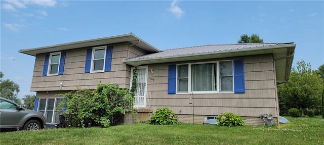 E 105 Willow Street Property Photo