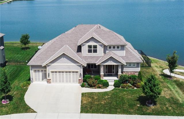 105 Sw Shores Drive Property Photo 1