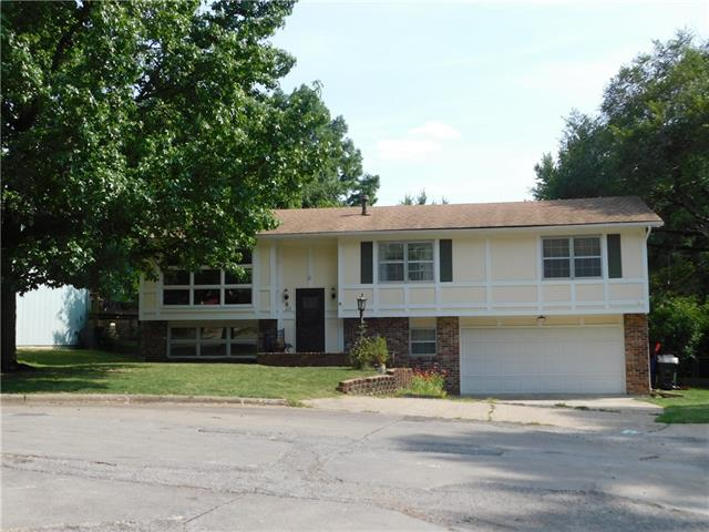 W 617 27th Place Property Photo