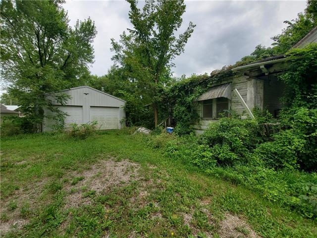 W 207 5th Street Property Photo
