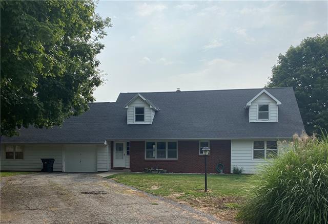 1303 W Maple Street Property Photo