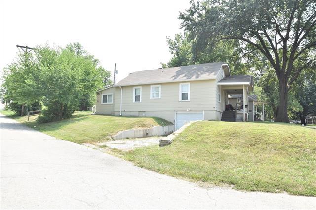 801 S Cedar Street Property Photo
