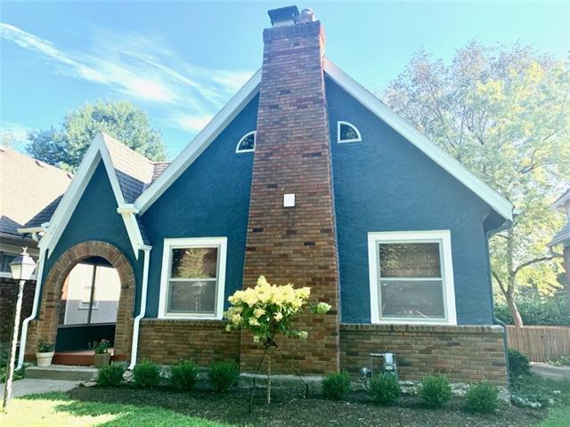611 E 62nd Street Property Photo