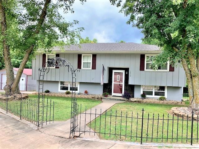 1610 W Main Terrace Property Photo