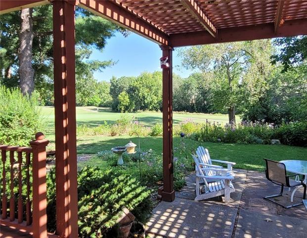 8905 W 106 Street Property Photo
