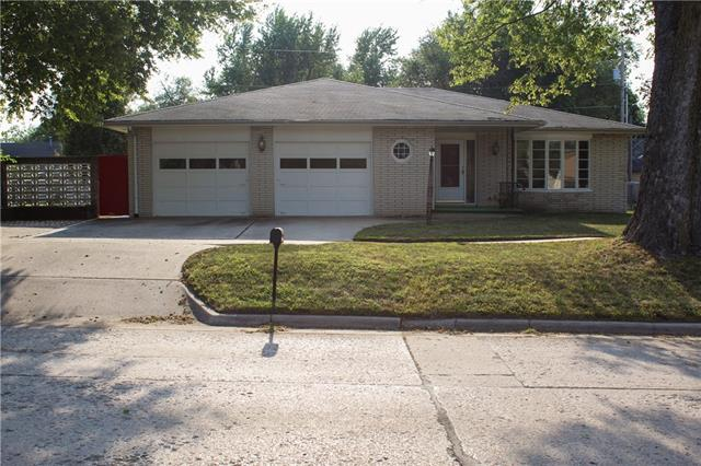 1015 Elm Street Property Photo