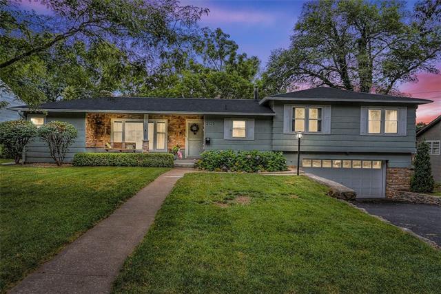 2125 W 51st Street Property Photo