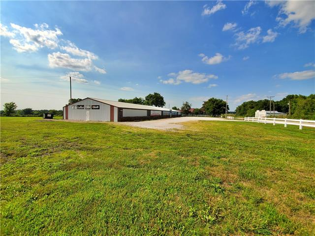 11761 N 13 Highway Property Photo