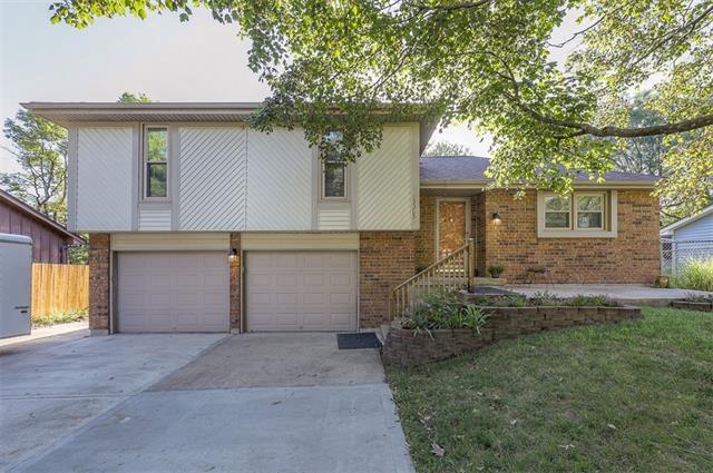 13305 Overhill Avenue Property Photo