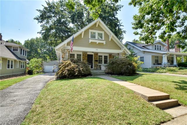 113 E 65th Street Property Photo