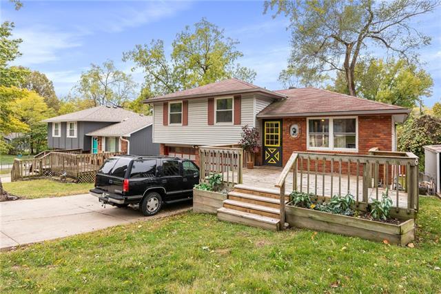 3908 N Spruce Avenue Property Photo