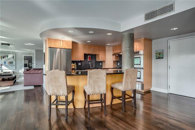 803 W 48th Street Property Photo