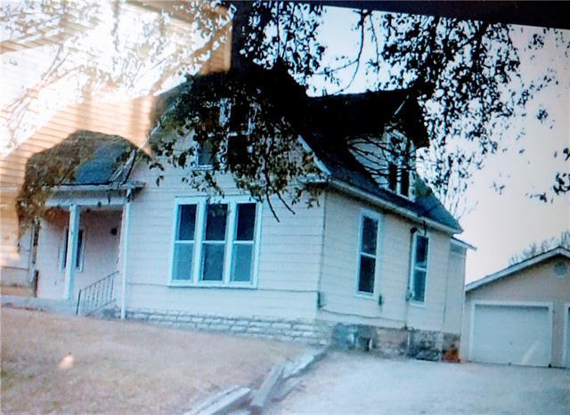 E 208 Black Diamond Street Property Photo