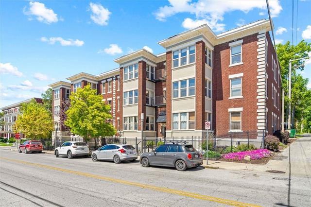 Berkeley Condominiums Real Estate Listings Main Image