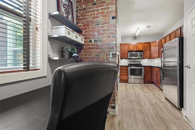 200 E 43rd Street Property Photo 10