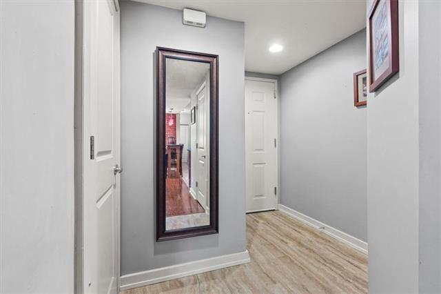 200 E 43rd Street Property Photo 15