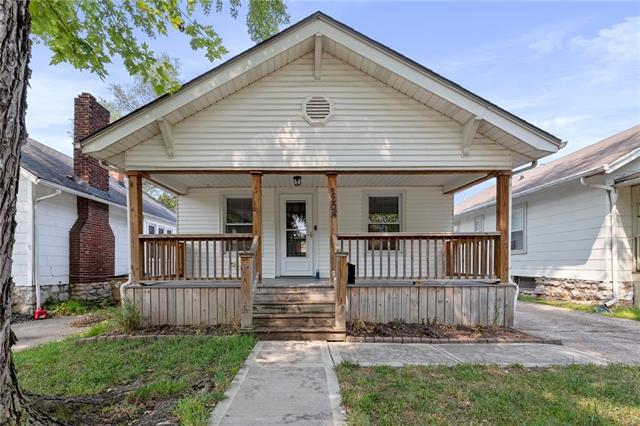 1208 E 22nd Avenue Property Photo