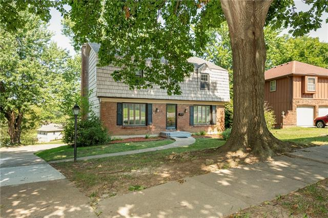 10722 White Avenue Property Photo