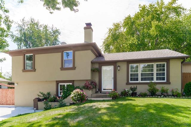 Applewood Valley Real Estate Listings Main Image