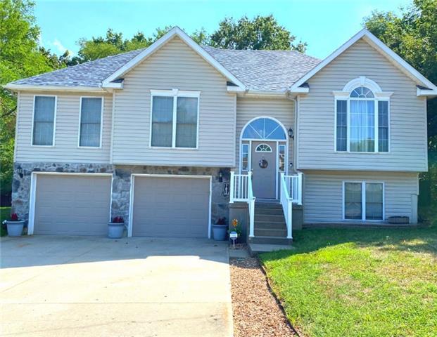 702 Deerfield Court Property Photo 1