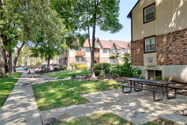 Shawnee Mission Real Estate Listings Main Image