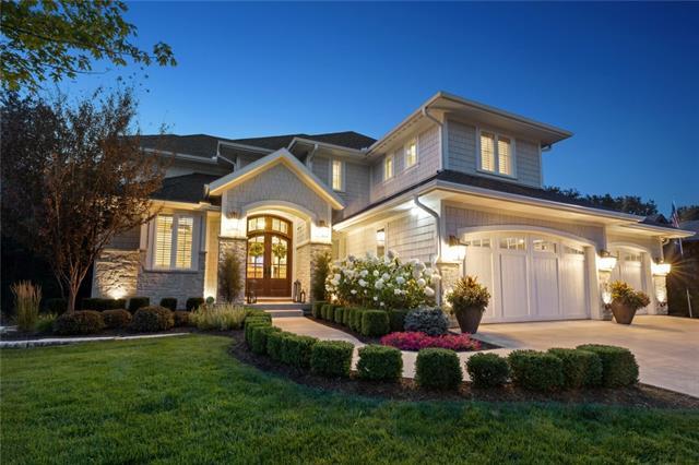 1412 Ne Kenwood Circle Property Photo 1