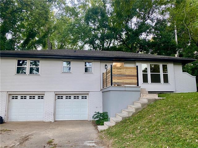 3221 Ne 46th Street Property Photo