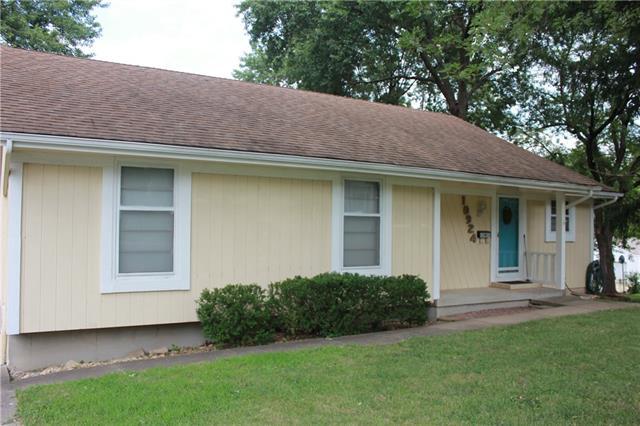 10924 E 54th Terrace Property Photo 1