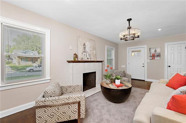 2221 E 69th Street Property Photo