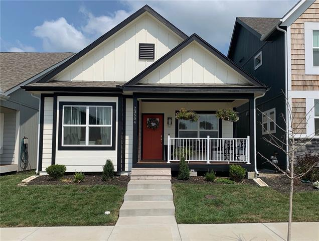 23504 E 11th Terrace Property Photo 1