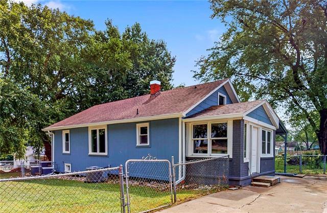 900 S Logan Avenue Property Photo