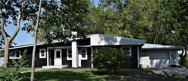 303 E Elm Street Property Photo
